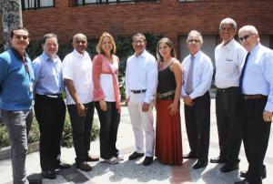 Con algunos de sus colegas de la Facultad.