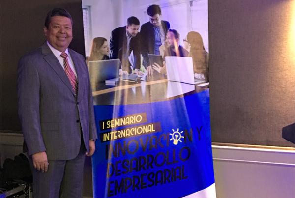 Autónomo participa como ponente en Piura, Perú