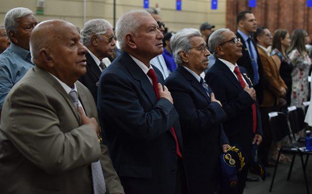 La UAO condecoró a Veteranos de Guerra de Corea
