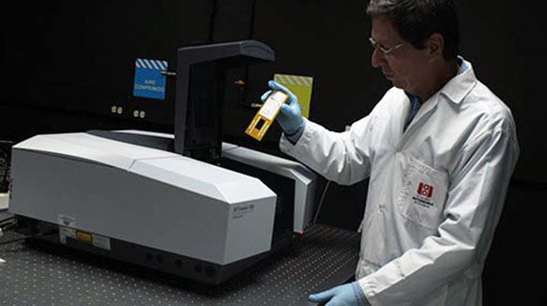 Avance tecnológico con la nueva adquisición del laboratorio de Optoelectrónica