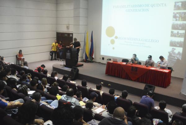 El fenómeno del paramilitarismo no ha desaparecido en Colombia