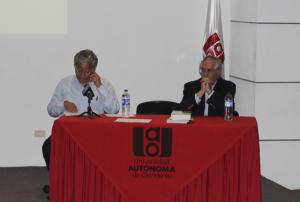 De izquierda a derecha: Fernán González S.J., investigador del Centro de Investigación y Educación Popular, CINEP.