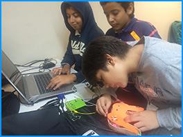 Niños hackearon el futuro de la tecnología con el FabLab Cali