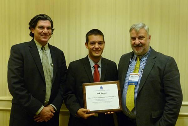 Docente de la Universidad Autónoma de Occidente recibe premio Itek