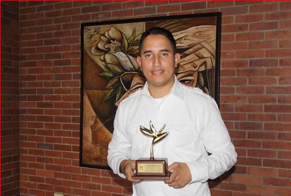 Estudiante de la facultad de Ingeniería ganó premio 'Heliconia de Oro'