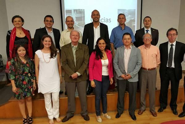 Universidades extranjeras presentan propuestas para realizar procesos de investigación con la UAO