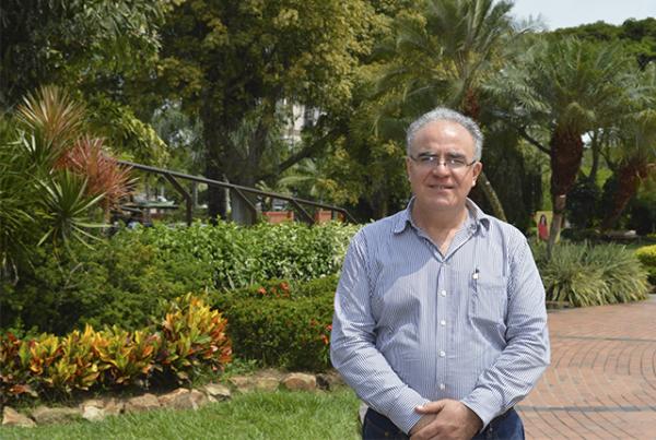 Profesor visitante de la Universidad de Talca, Chile, Mario Alberto Fernández