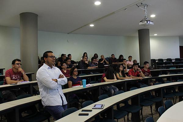 Seminario de Ingeniería Multimedia: aprendizaje a partir de experiencias profesionales en la Industria