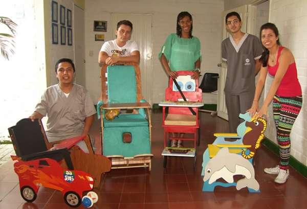 Pupitres 'roban' sonrisas a niños en situación de discapacidad