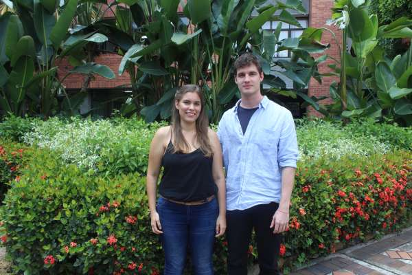 Laura Viviana Arenas and Javier Eduardo Lopez, students of tenth semester of Environmental Engineering, carried out a research project called 'Potential Uses of the Banana Peel: Production of a Bioplastic.'